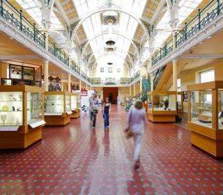 Birmingham Museum and Art Gallery interior photograph
